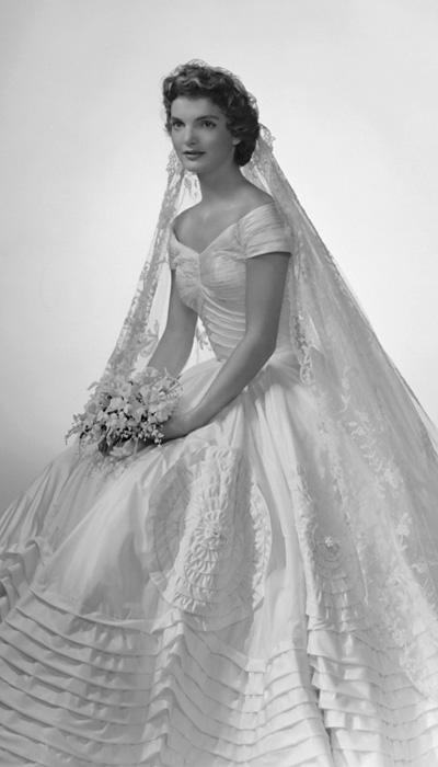011614-Celebrity-Wedding-Dresses-2-567